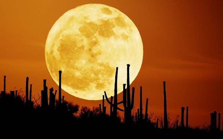 Mặt Trăng sáng hơn 30% vào lúc xảy ra hiện tượng Siêu trăng.