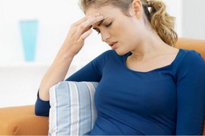 Người bệnh thường xuyên thấy đầy bụng, trướng hơi, không tiêu, đi ngoài...