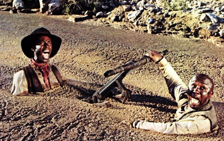 Cảnh lọt vào cát lún rất nổi tiếng trong nhiều bộ phim ở thập niên 60.