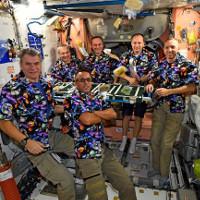 Nếu có một bữa tiệc trên tàu vũ trụ, các phi hành gia sẽ làm gì?
