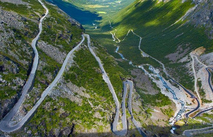 Cao tốc Karakoram nối liền hai khu vực của Pakistan và Trung Quốc.