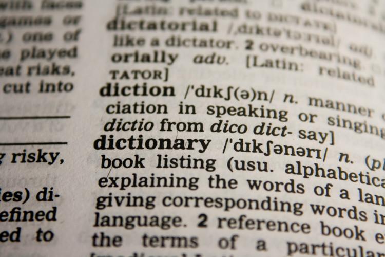 Hai hệ thống tự tạo ra một cuốn từ điển song ngữ của riêng mình mà không có ai sửa sai cho chúng.
