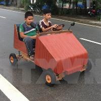 Thừa Thiên-Huế: Học sinh lớp 9 chế tạo xe ôtô chạy bằng điện