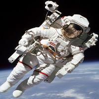 Nút bấm giúp phi hành gia lạc ngoài vũ trụ trở về tàu