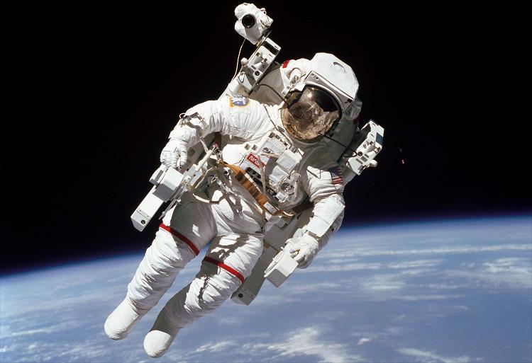 Các phi hành gia trong tương lai có thể không cần lo về nguy cơ bị lạc ngoài không gian.