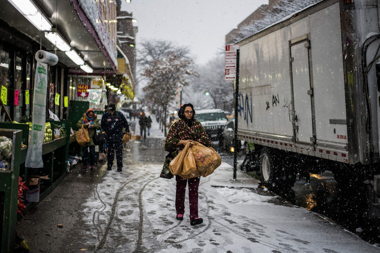 Khoảng 260.000 người sống trong tình trạng không có điện vào hai ngày cuối tuần.