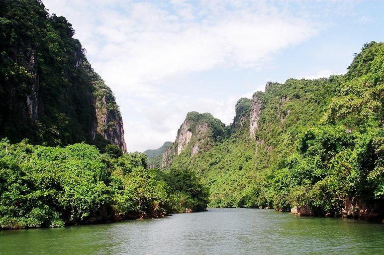 Vườn quốc gia Phong Nha Kẻ Bàng.