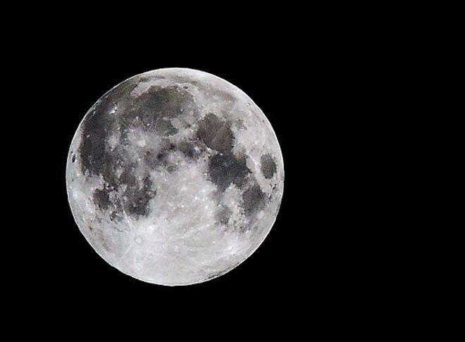 Mỗi tháng sẽ có một đêm trăng tròn hay còn gọi là trăng rằm.