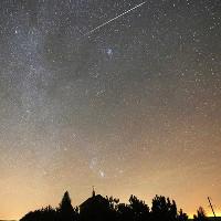 Mưa băng Geminids 2017 rực sáng bầu trời thế giới