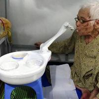 'Robot cho người bệnh ăn' đoạt giải nhất sinh viên nghiên cứu khoa học