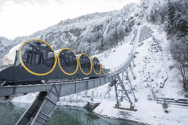 Buổi khánh thành được tổ chức tại khu resort Stoos ở Alpine, trung tâm của Thụy Sĩ
