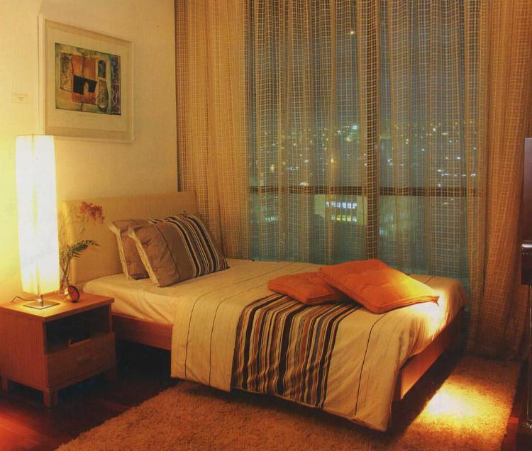 Một phòng ngủ yên tĩnh, tối là một trong những điều kiện giúp bạn có giấc ngủ ngon.