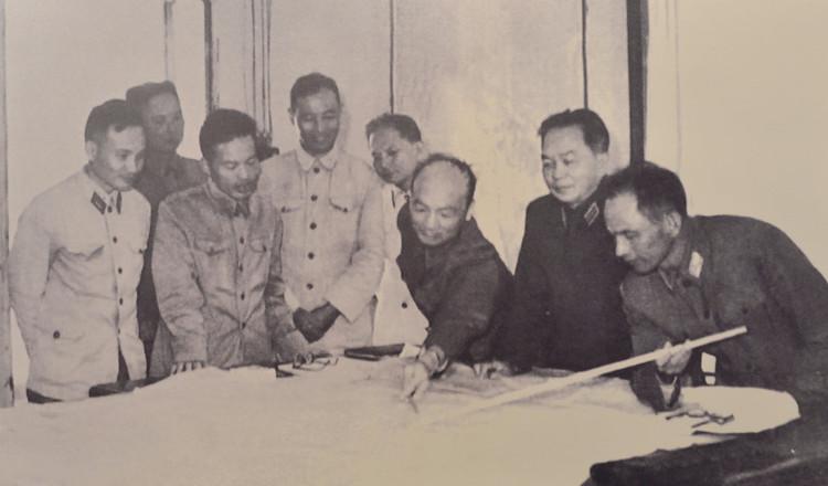 Phòng giao ban tác chiến là nơi các lãnh đạo cao cấp của Đảng, Nhà nước, quân đội đến làm việc