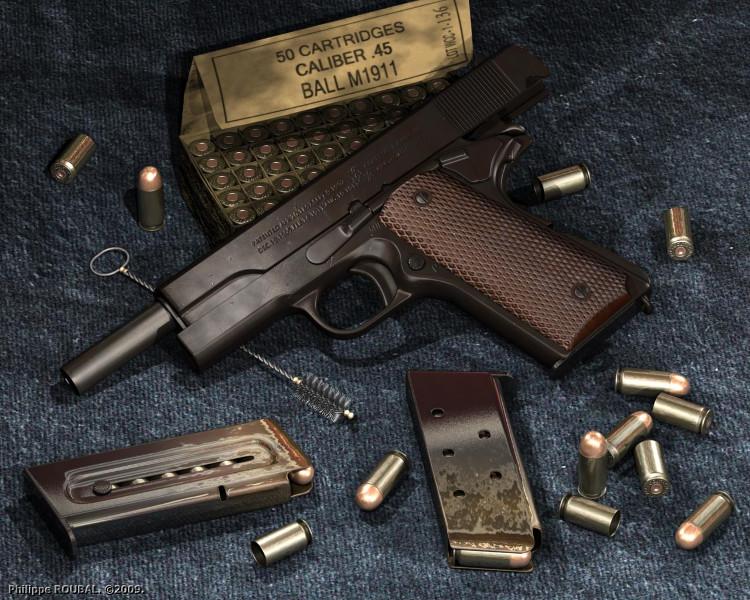 Súng ngắn Colt M1911A1.