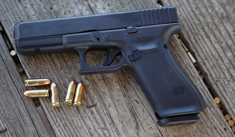 Súng ngắn Glock 17 nổi tiếng bởi sự tiện dụng và gọn nhẹ.