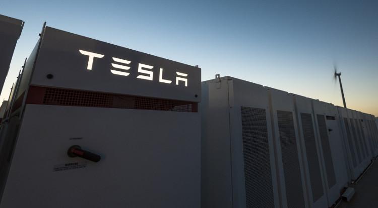 Nhà máy pin Tesla