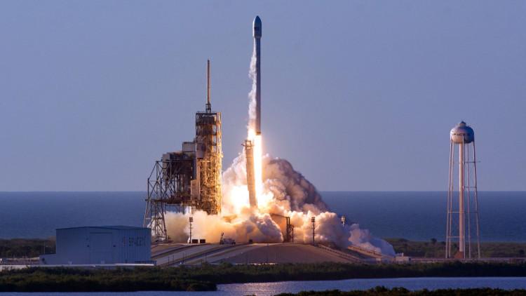 SpaceX phóng tên lửa và tàu vũ trụ tái sử dụng