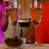 Điều bất ngờ thú vị gì xảy ra khi bỏ nho khô vào rượu champagne?