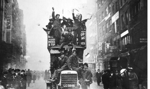 Sự kiện lịch sử nổi bật nhất của thế giới năm 1918 là việc kết thúc Thế chiến I