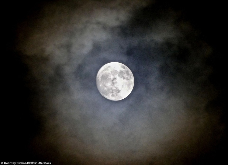 Đây là lần siêu trăng thứ 2 trong chuỗi 3 siêu trăng.