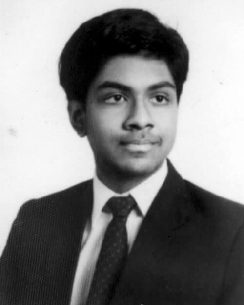 Balamurali Ambati rở thành bác sĩ trẻ nhất thế giới khi mới 17 tuổi.