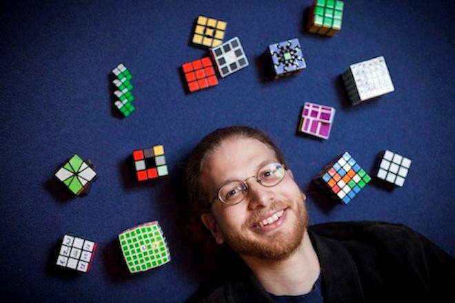 Erik quyết định theo học tiến sĩ tại Đại học Waterloo trước sinh nhật lần thứ 21 của mình