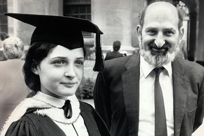 Ruth Lawrence theo học tiến sĩ toán học khi cô mới 17 tuổi.