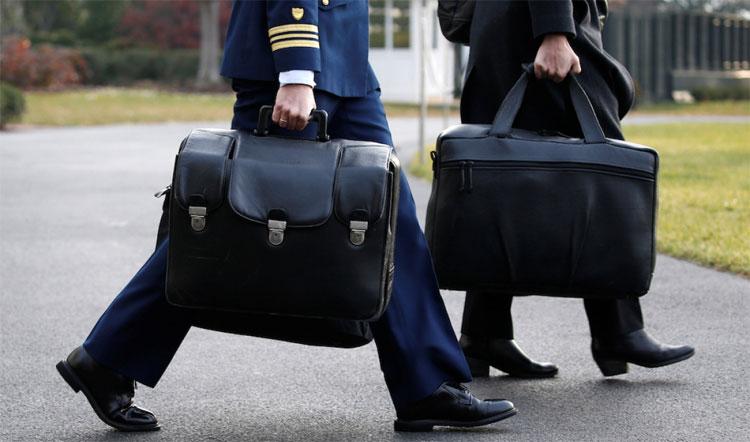 Vali hạt nhân luôn theo chân các tổng thống Mỹ.