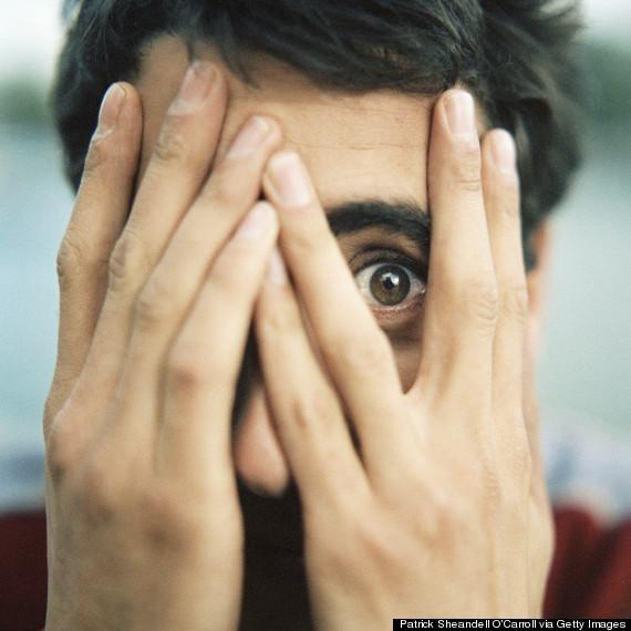Những người mắc chứng bệnh này tỏ ra sợ hãi khi nhìn thấy những hình ảnh liên quan đến mắt.