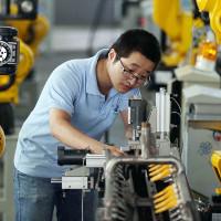 Robot bắt đầu thay thế nhân công làm các công việc nhàm chán, nguy hiểm