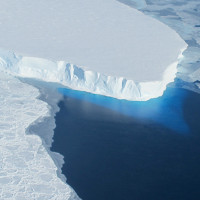 Nước sông băng tan chảy làm lún đáy đại dương