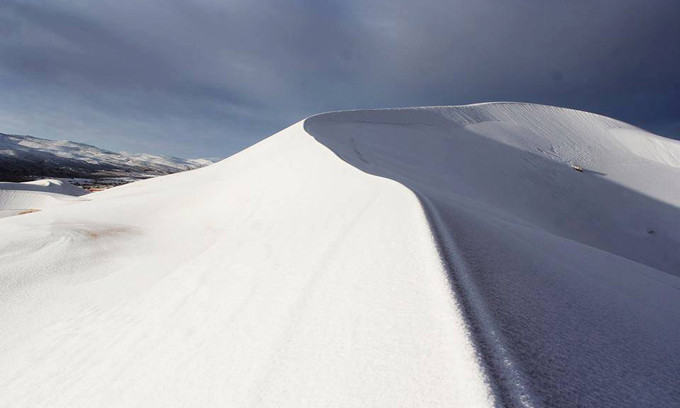 Đây là mùa đông thứ hai liên tiếp hiện tượng tuyết rơi xảy ra trên sa mạc Sahara