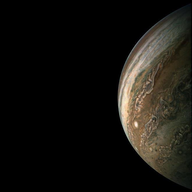 NASA hi vọng Juno sẽ bay quanh quỹ đạo của sao Mộc thêm ít nhất vài năm nữa