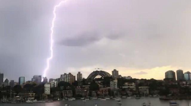 Sét đánh xuống một khu vực ở Sydney