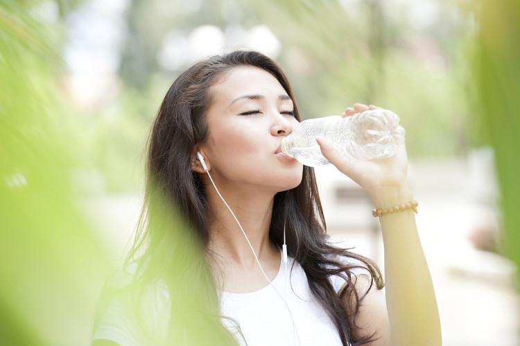 Thời điểm uống nước tốt nhất là 30 phút sau bữa ăn.