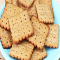 Vì sao hầu hết bánh quy đều tồn tại những chiếc lỗ nhỏ li ti?