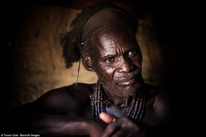 Bộ lạc Himba vẫn duy trì chế độ đa thê