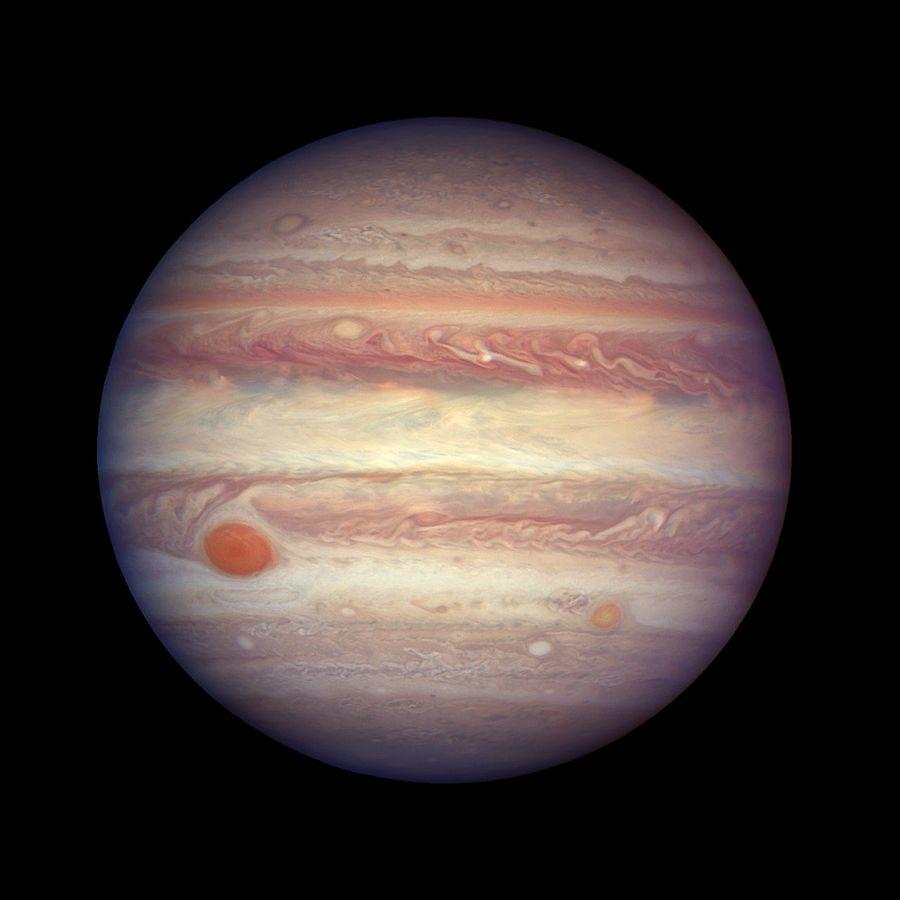 Không như Trái đất, sao Mộc không có bề mặt cứng.