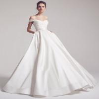 Tại sao váy cưới thường có màu trắng và hành trình biến đổi của váy cưới ít người biết