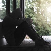Cô đơn là thứ cảm giác nguy hiểm nhất, tác hại ngang 15 điếu thuốc lá/ngày