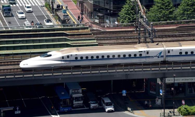 Tàu hỏa ở Nhật Bản biết sủa như chó và kêu như hươu.