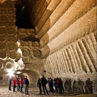 Thành phố dưới đáy biển được xây dựng từ mỏ muối 250 triệu năm