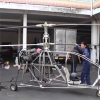 """Clip: Máy bay tự chế của """"hai lúa"""" Bình Dương khởi động êm ru"""