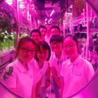 """Sinh viên Trung Quốc sống 200 ngày trong """"nhà Mặt Trăng"""""""