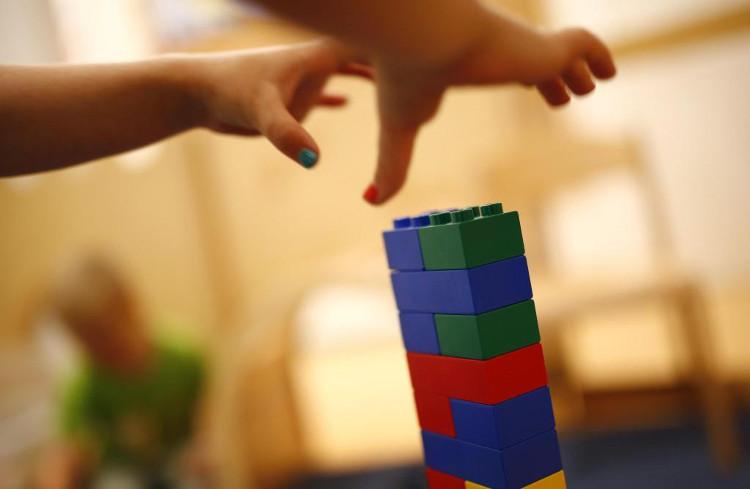 Không có đồ chơi, trẻ em sẽ có thời gian tự phát triển ý tưởng của mình.