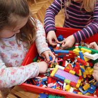 Tại sao các nhà trẻ ở Đức nói không với đồ chơi?