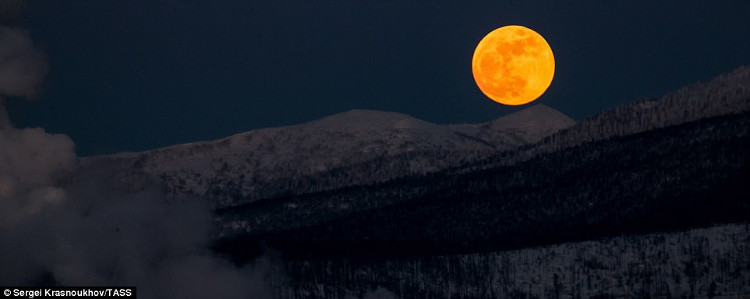 Siêu trăng máu tại Nga.
