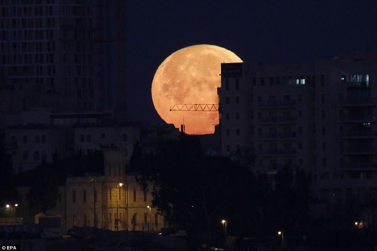 Siêu trăng máu tại Jerusalem.