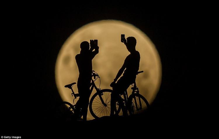 Siêu trăng tại Australia.