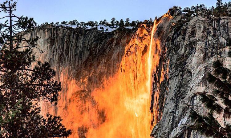 Thác lửa Horsetail - Hiện tượng kỳ thú của thiên nhiên.